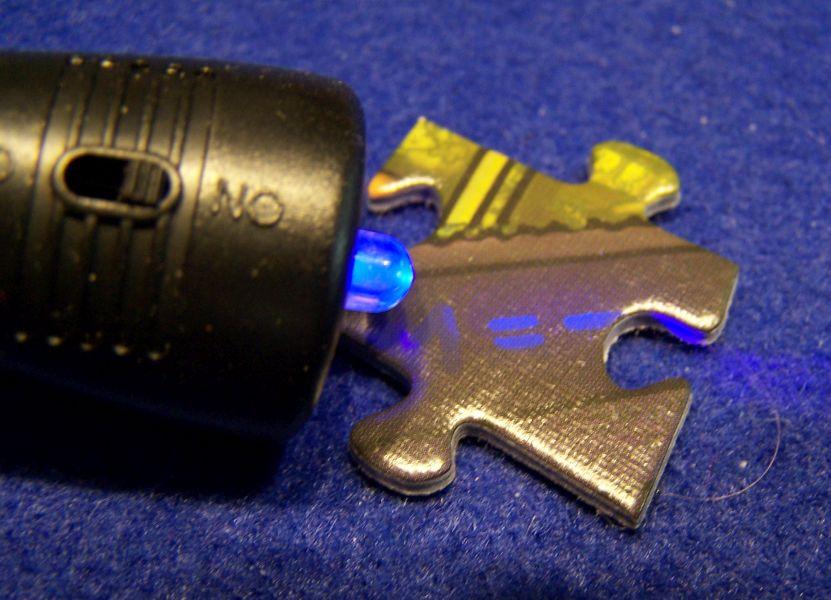 Krimi Puzzle Die Villa der Rätsel - UV-Lampe