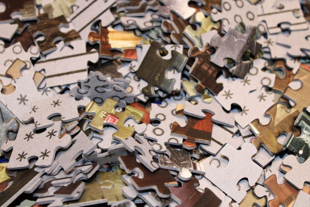 Exit-Spiel-Puzzle - Der verschollene Tempel - Puzzleteile